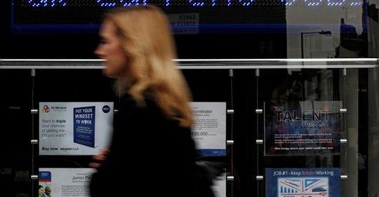 UK jobs market shines, but clouds onhorizon